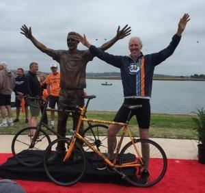 Bill-Walton-Statue-3-0514-300x282